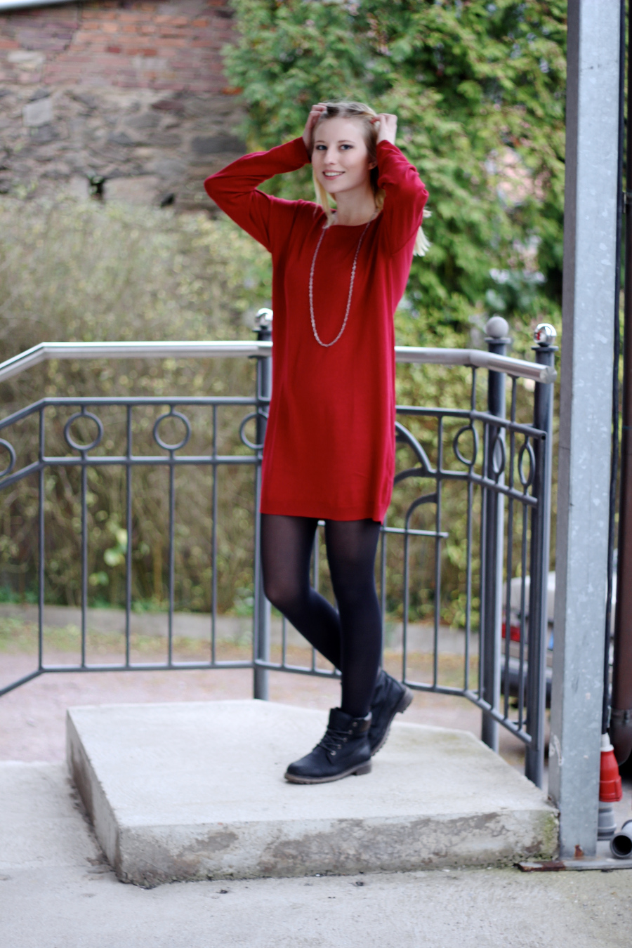 outfit-red-knitter-christmas-xmas-inspiration-blonde