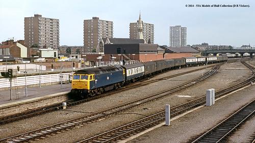 train diesel railway britishrail doncaster southyorkshire mailtrain class47 47239 parcelstrain