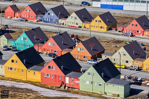 houses colors architecture svalbard arctic architektur spitsbergen farben longyearbyen häuser spitzbergen arktis