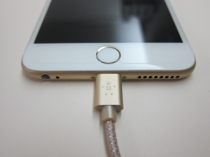 Belkin MIXIT Metallic Lightning to USB ChargeSync Cable (6 Inch) - Gold Plugged Into iPhone 6 Plus