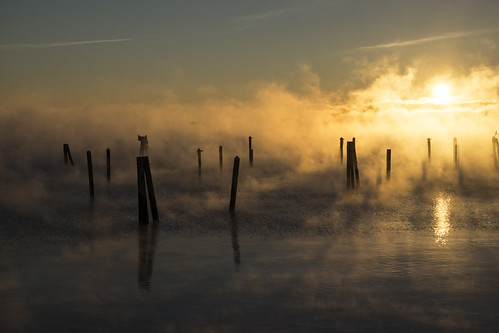 rockland maine me rocklandharbor publiclanding sunrise seasmoke winter january freeze freezing frozen dock pier
