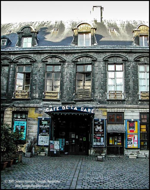Cafe De La Gare 2001
