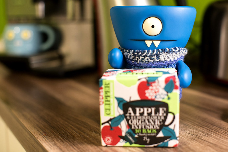 Uglyworld #2491 - Apples Teas - (Project On The Go - Image 321-365)