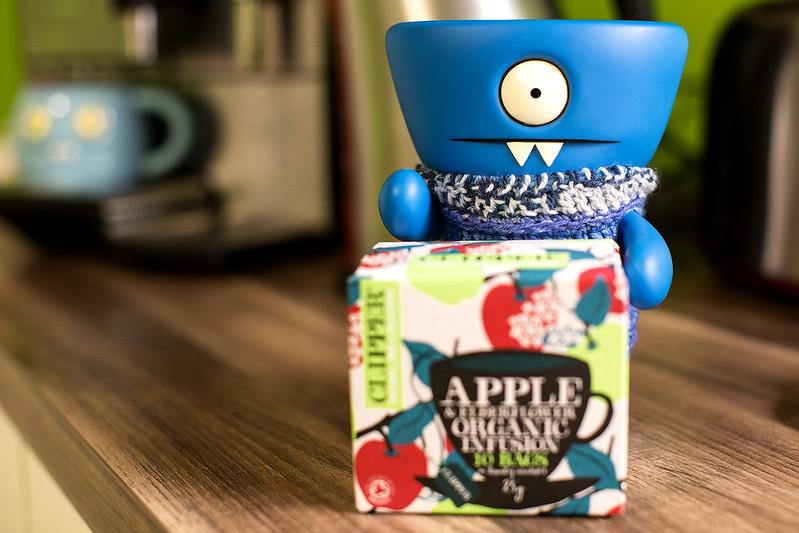 Uglyworld #2491 - Apples Teas - (Project On The Go - Image 321-365)