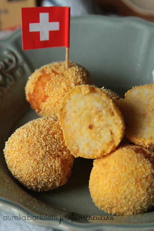 #noicheeseamo Palline di patate Gruyère e nocciole