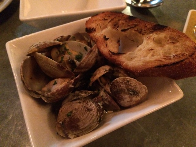 Steamed clams - Luc
