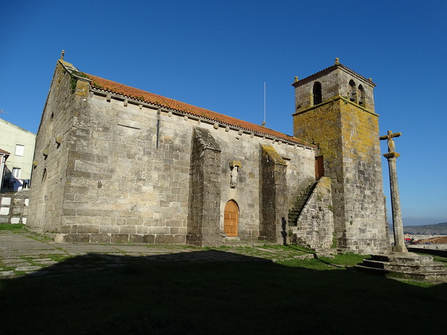 Iglesia de Santa María da Atalaia en Laxe