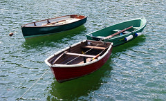 canoe(0.0), motorboat(0.0), dinghy sailing(0.0), dinghy(1.0), vehicle(1.0), skiff(1.0), watercraft rowing(1.0), boating(1.0), watercraft(1.0), boat(1.0), waterway(1.0),