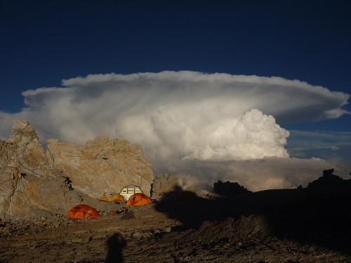 Etrange nuage à la veille de l'ascension finale