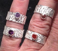 Reticulated rings with CZ