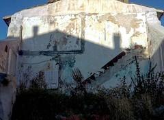 Ho scattato questa foto in un paesino dell'Abruzzo proprio ieri. Mi sono chiesta quanto coraggio e quanta forza abbiano gli abitanti di questa regione che convivono con i segni di un devastante terremoto. Poche ore dopo, alle 03:36 del 24/08/16 una terrib