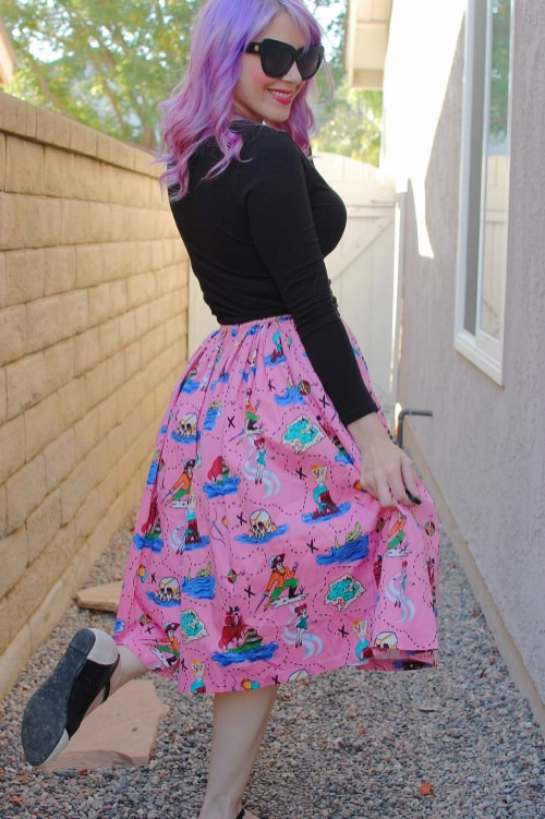 Pinup Girl Clothing Jenny Skirt in Neverland Print 011