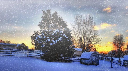 2014 yellow iphoneedit app snapseed teamcanon dslr handyphoto sky hdr clouds sunrise sun snow t1i rebel orange panorama pano trees tree geotagged geotag skies autostitch light snowdaze weather landscape cincinnati jamiesmed ohio midwest