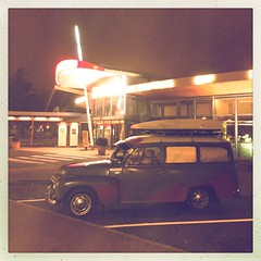 On the road again #vintage #highway #night #car - Photo of Hyencourt-le-Grand