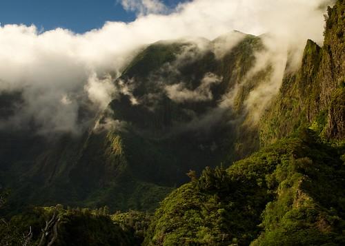 cloud mountain hawaii maui valley iaovalley westmaui