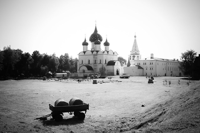 Suzdal Kremlin in the nostalgic mood, Russia スズダリ、クレムリンのラジヂェストヴェンスキー聖堂