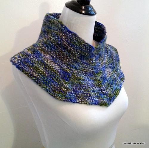 Free-Pattern-Moonstruck-Knit-Cowl