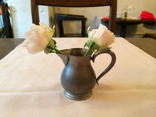 テーブルにはバラが@カーサ ヴェッキア