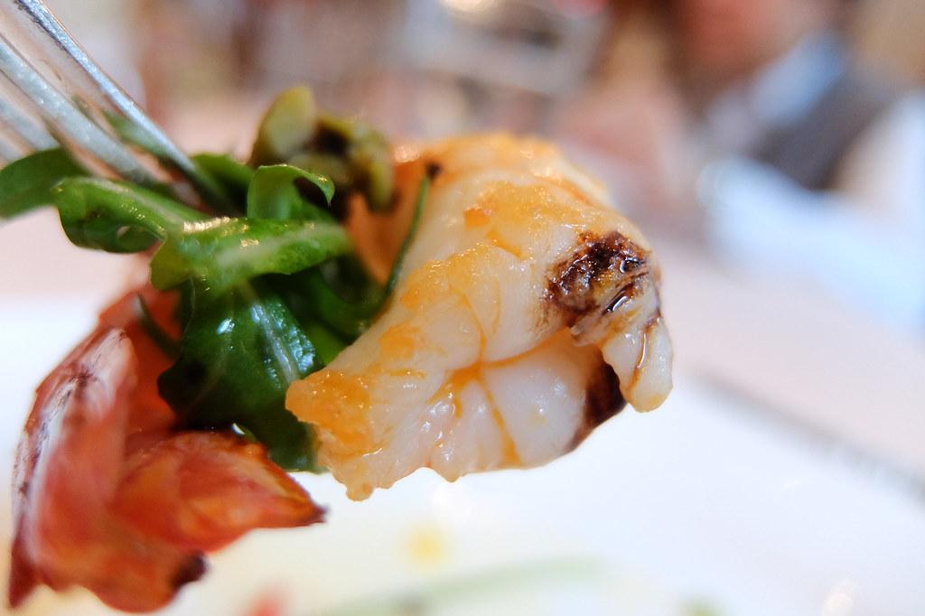 蝦子帶著一點甜味...但乳酪呢?味道感覺太淡些...