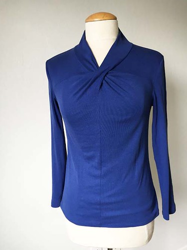blue twist front top