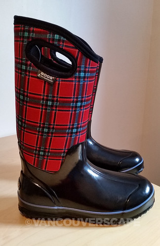BOGS Classic Winter Plaid High boots