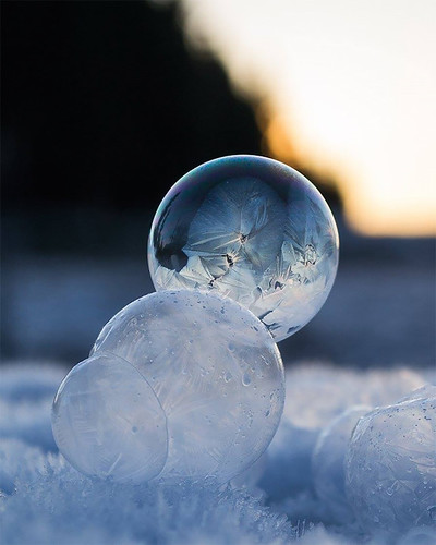 mymodernmet: Each winter, when the temperature dips into the negatives, Washington-based photographer Angela Kelly takes advantage of the frigid weather and blows bubbles that freeze and form beautiful patches of ice crystals. The breathtaking results, wh