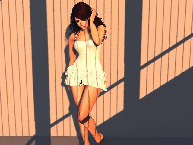 Dress: HILLY HAALAN/ Très Chic!