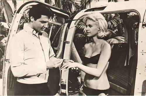 Elvis Presley, Suzanna Leigh