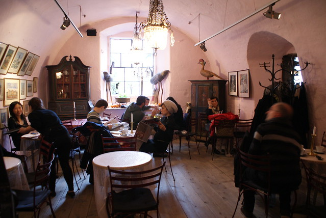 Intérieur du café Camelot à Cracovie