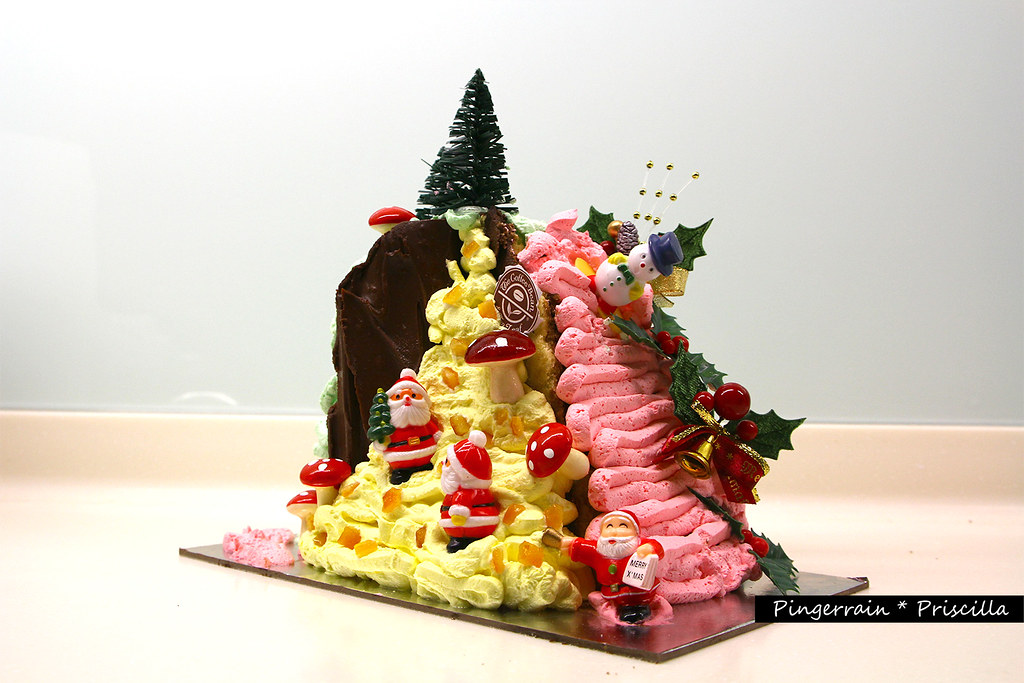 My log cake tree - Santa Claus Workshop inside a giant fir tree