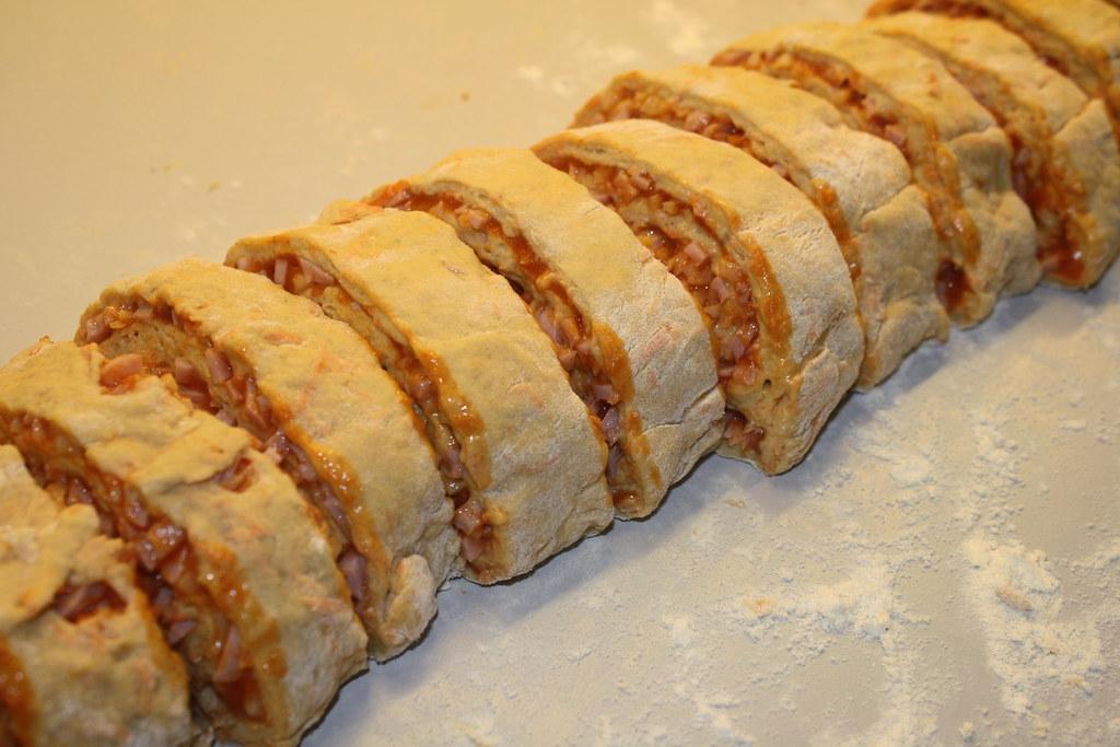 Grove pizzasnegle med skinke og ost  (8)