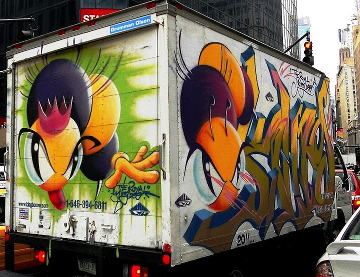 KingBee-graffiti-character-on-NYC-bus-on