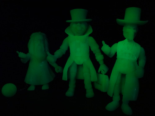 Hitchhiking Ghosts Glowing Trio
