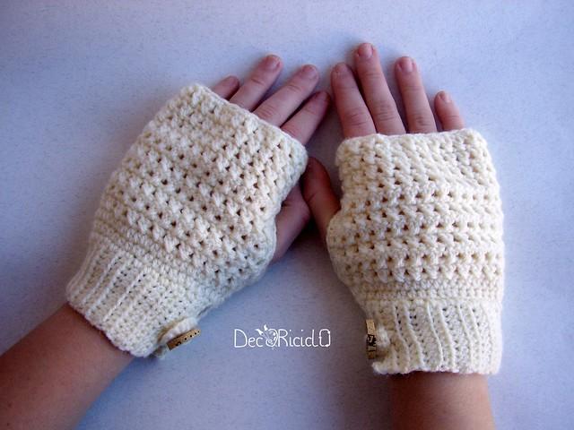 guanti senza dita bianchi, maglie intrecciate 4