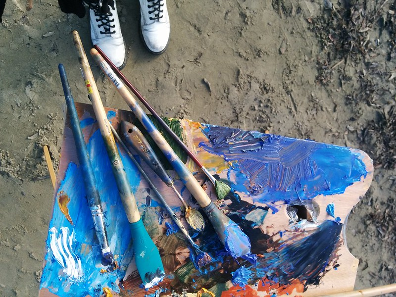 tools y brushes from fellow sketchers × sunday sketch group meeting: half moon bay ♥