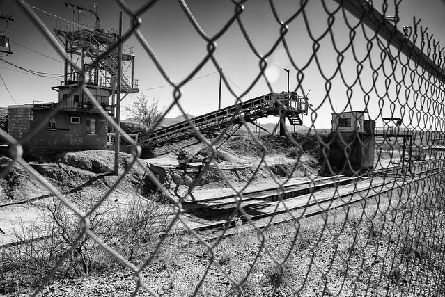 DerelictIndustrialPlantHillsideAZ-20150109-100