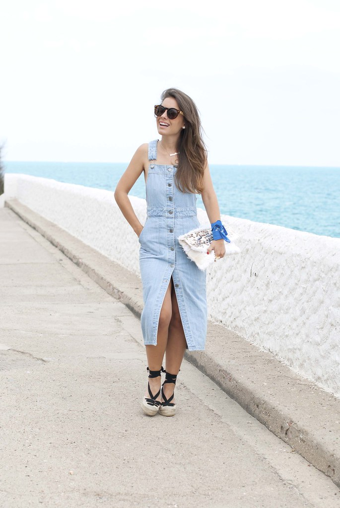 02_denim_overall_dress_bandana_touch