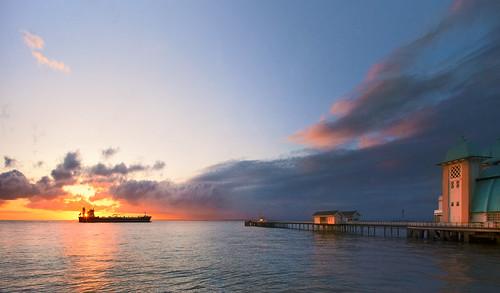 morning sea sky sun southwales wales sunrise canon bristol eos dawn coast ship cymru cardiff severn 5d welsh channel penarthpier canoneos5d ef24105f4l wentloog stevegarrington