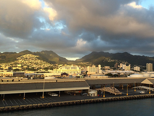 Honolulu Harbor today