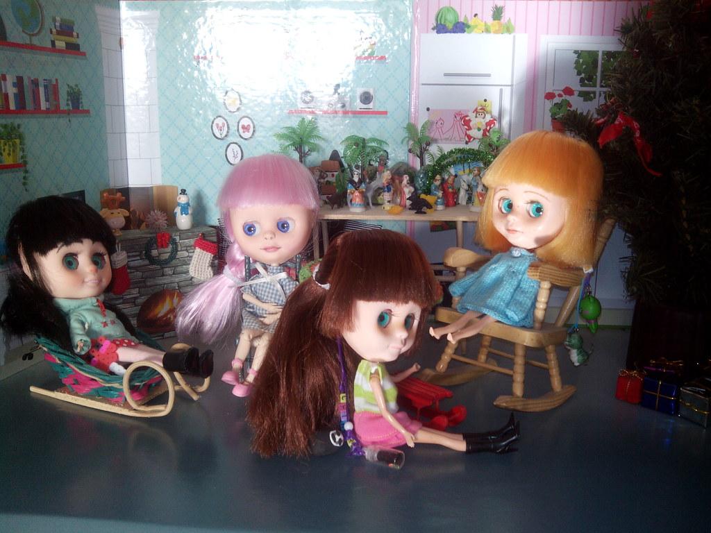 Las blyh desean feliz navidad. Vanellope, Hope, Chihiro y Laia