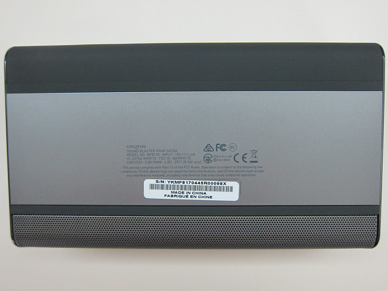 Creative Sound Blaster Roar - Bottom
