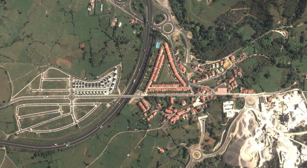 santullán, cantabria, vascongadas 2, después, urbanismo, planeamiento, urbano, desastre, urbanístico, construcción, rotondas, carretera