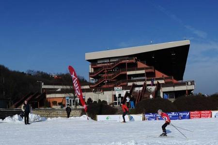 V pražské Velké Chuchli v zimě opět vznikne lyžařský areál