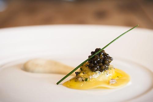 Ravioli de ricotta ahumada con caviar Petrossian Alverta Imperial