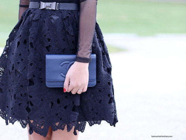 SydneysFashionDiary_Chanel navy WOC