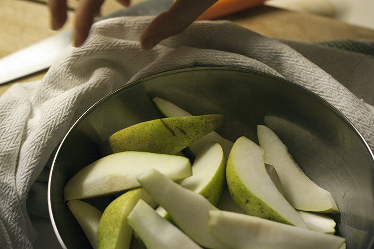 pears bowl