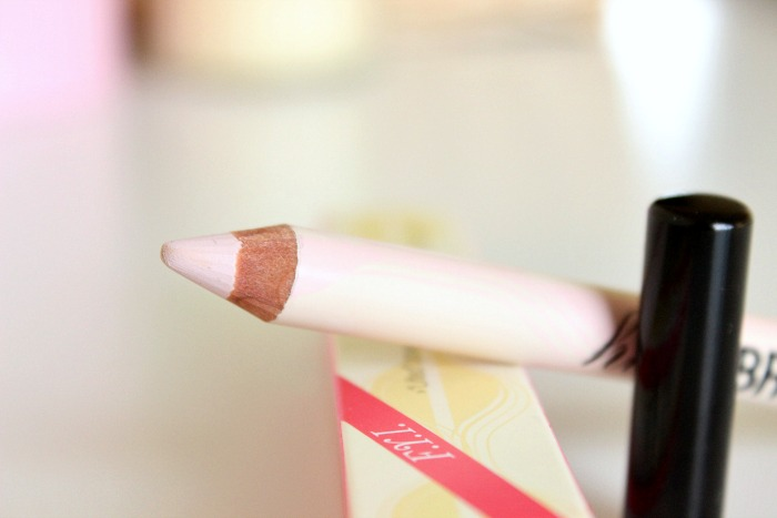 Benefit High Brow Brow Highlighting Pencil Review3