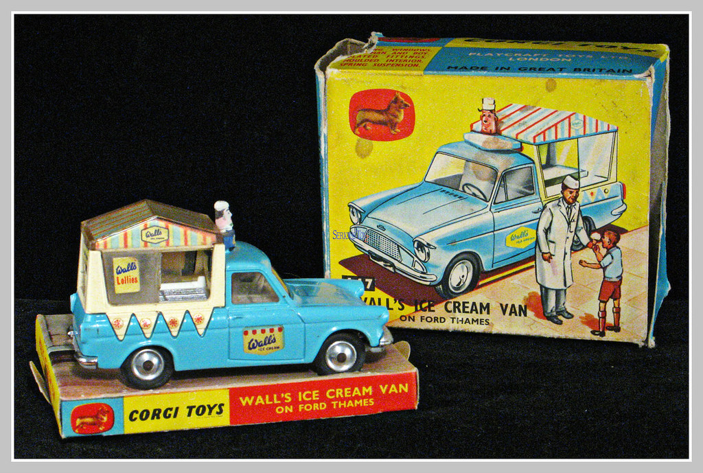 CORGI ICE CREAM TRUCK 1965