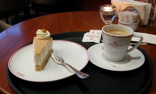 Marzipan Torte und kaffe
