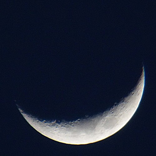 crescent moon_1_processed_trimmed 三日月の写真。